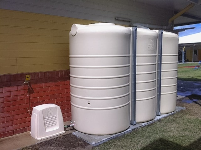 installing water tanks